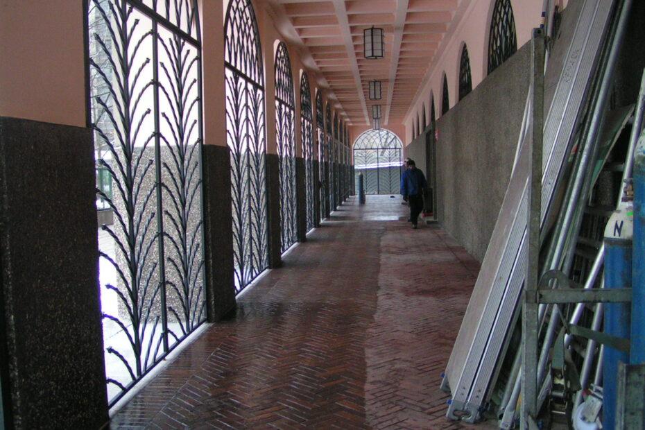 Korytarz w Szkole Głównej Handlowej w Warszawie