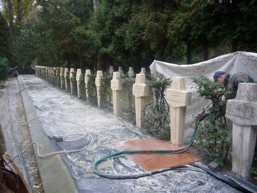 Cmentarz wojskowy krzyże